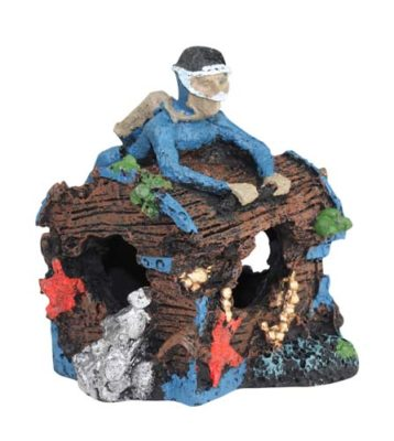 Aqua One Diver On Treasure Chest Aquarium Ornament/Decoration 10×11.5x11cm 36958